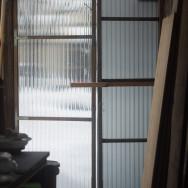 石膏場の戸